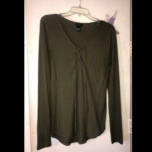 Olive green rue 21 shirt 🐢